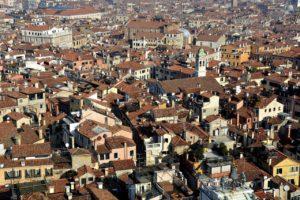 Blick auf die Dächer von Venedig