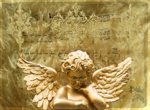 Engel vor Notenblatt