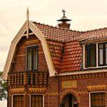 Mansarddach, Erker und Dachfenstern