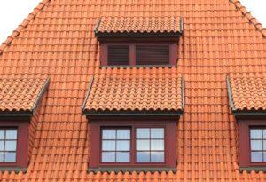 Stehende Fenster in Dachgaube